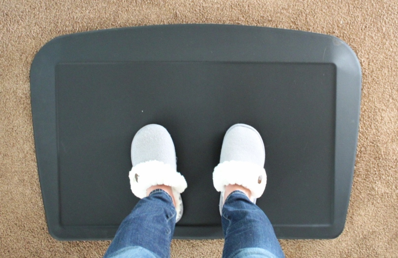 AnthroDesk - ErgoSlant Anti-Fatigue Mat